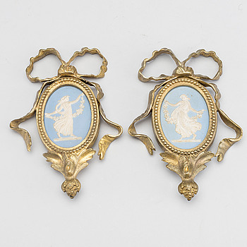 A pair of 19th century Wedgwood medallions.