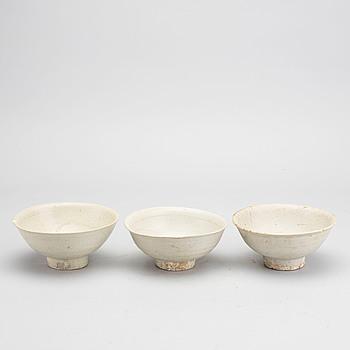 SKÅLAR, 3 st, keramik, Songdynastin (960-1279).