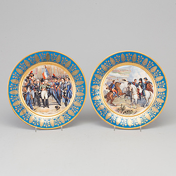 EMPIRE, A PAIR OF FRENCH PORCELAIN PLATES, late 19th century.