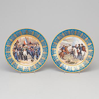 TALLRIKAR, 2 st, porslin, Frankrike, sent 1800-tal.