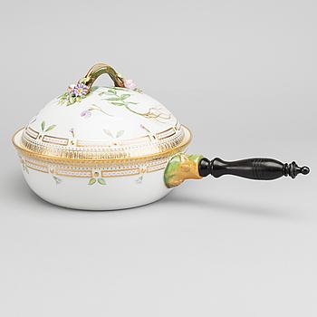 A FLORA DANICA VEGETABLE BOWL, porcelain, Royal Copenhagen, model no 170/171.