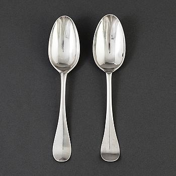 Henrik Wittkopf dy, Stockholm 1767 och Carl Åberg, Arboga 1785, skedar 2 st, silver.