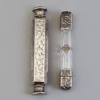 PARFYMFLAKONGER, 2 st, silver, sent 1800/tidigt 1900-tal.